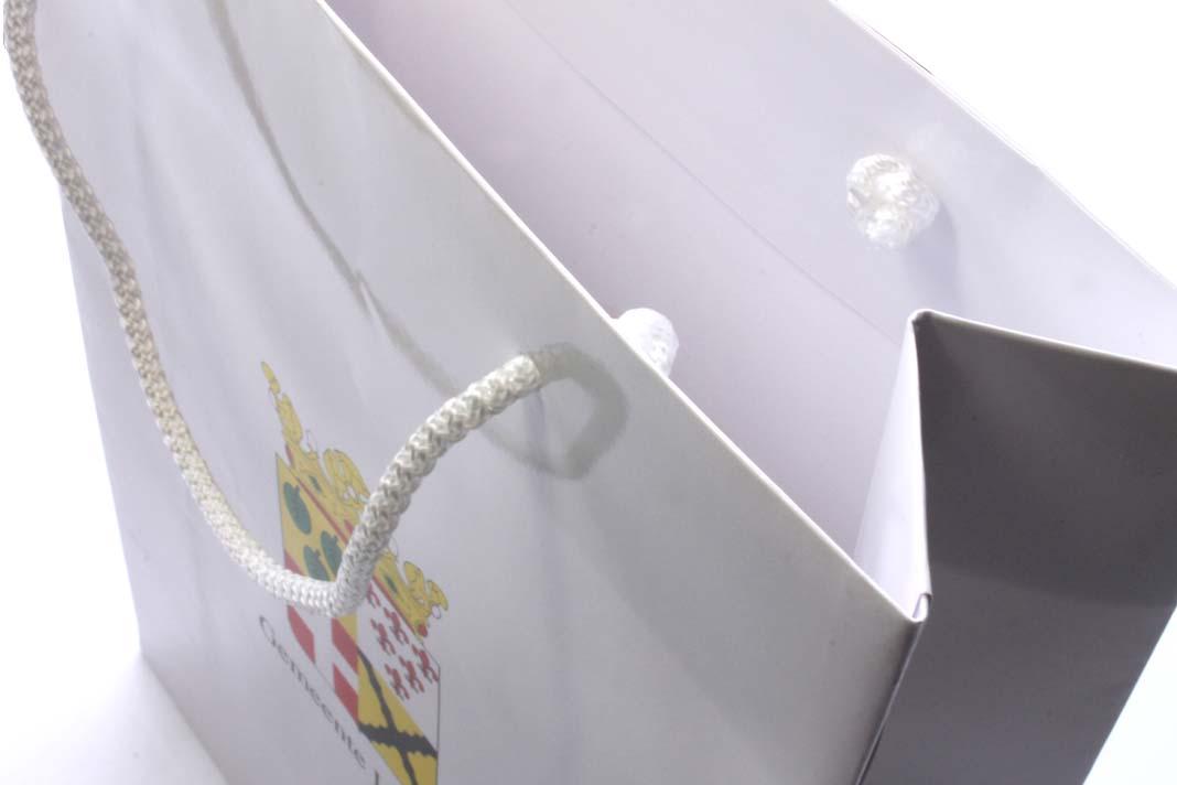 ramette papier pas cher ramette papier a4 standard 80g blanc prix pas cher ramettes papier a4. Black Bedroom Furniture Sets. Home Design Ideas