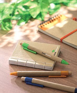 Fournitures de bureau écologiques avec logo